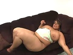 Obese ebony w huge boobs sucks cock