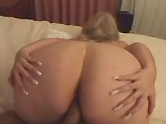 Chubby girl gets much cum in mouth from black guy great bbw