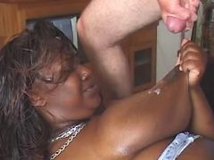 Fat black slut gets cum on table great bbw