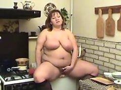Chubby cutie plays with her pussy great bbw