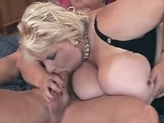 Breasty chubby chick blowing boyfriends dick great bbw