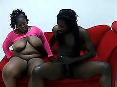 Obese lezzie gives oral pleasure from busty chick great bbw